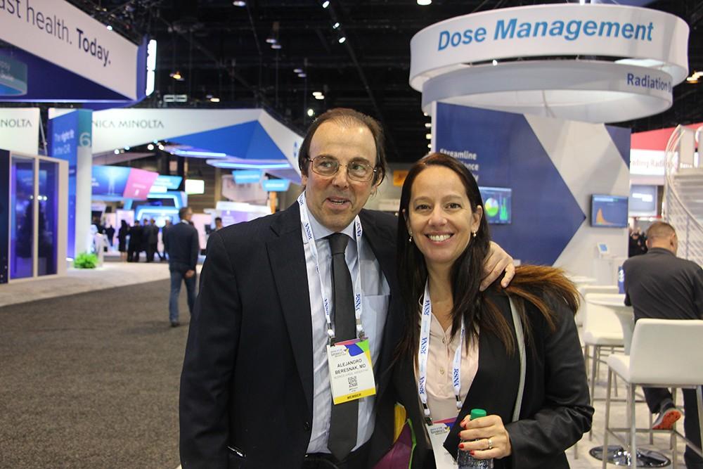 Dr. Alejandro Beresñak y Barbara Domb