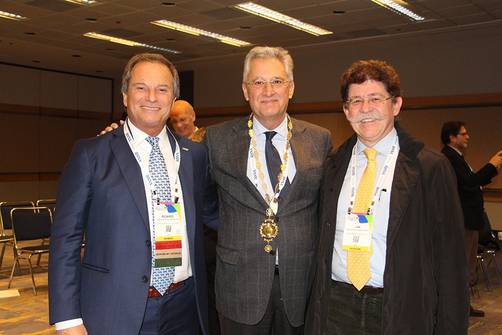 Dr. Ricardo García Mónaco, Dr. Luis Donoso y Dr. Jan Labuscagne