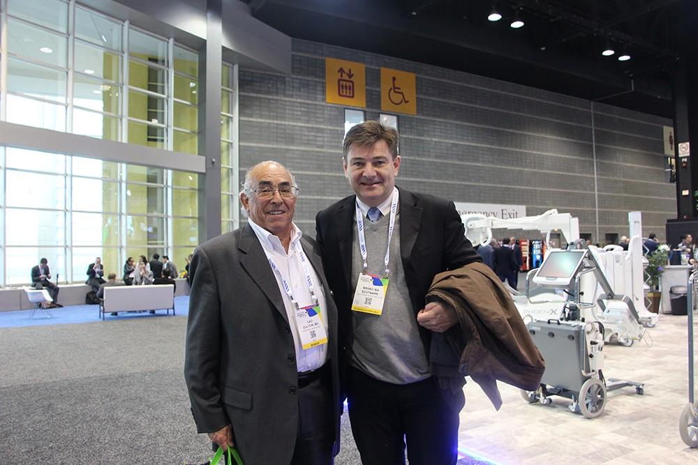 Dr. Carlos Oulton de Córdoba y Bruno IBA Scutinaire