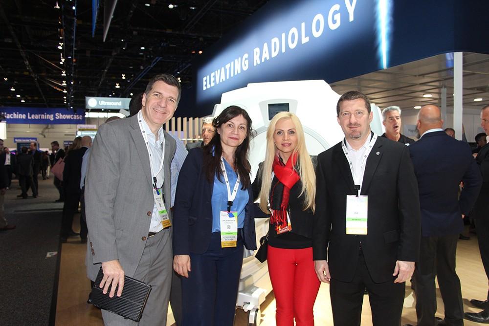 Dario De Toni, Carla Maranca, Dra. Patricia Carrascosa de Diagnóstico Maipú y Leandro Colombini de GE Healthcare