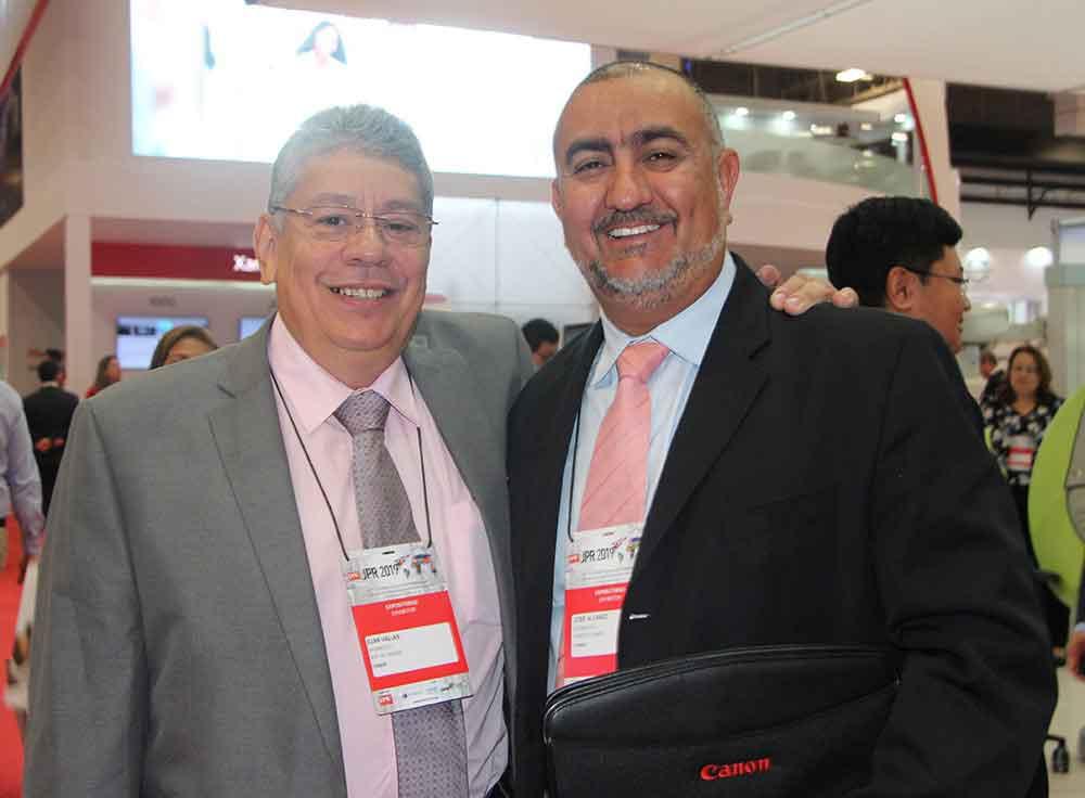 Djan Valias de Shimadzu y José Alvarez de Canon