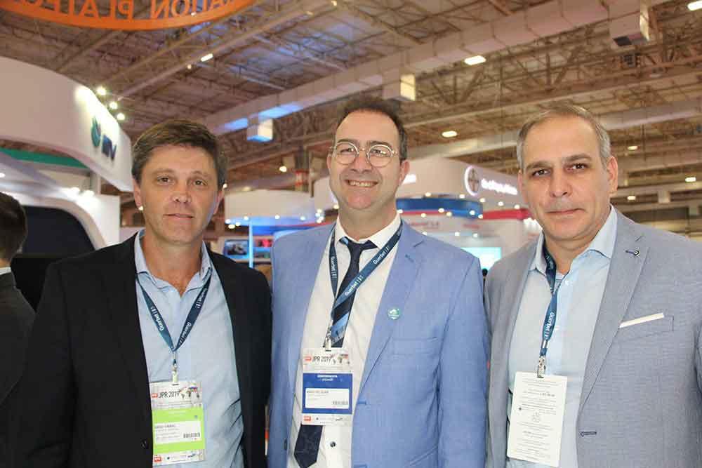 Dr. Diego Cabral del Sanatorio Allende de Córdoba , Dr. Mario Pelizzari y colega