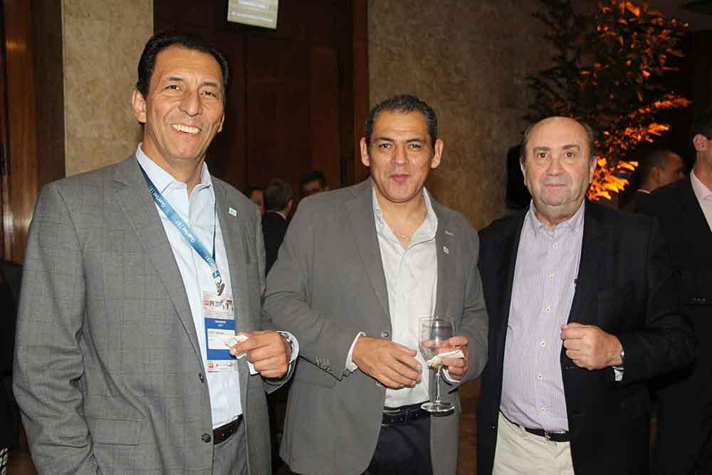 Dr. Roberto Miranda, Dr. Marcelo Galvez Moya y Dr. Sergio Moguillansky