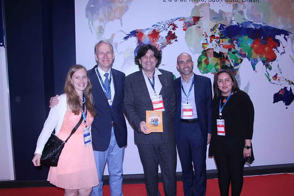 Dra. Lucy Di-Marco, Dr. Jean Francois Meder (Presidente de la SFR), Clement Cabanes, Roberto Godoy y Angeles Amaya de Guerbet