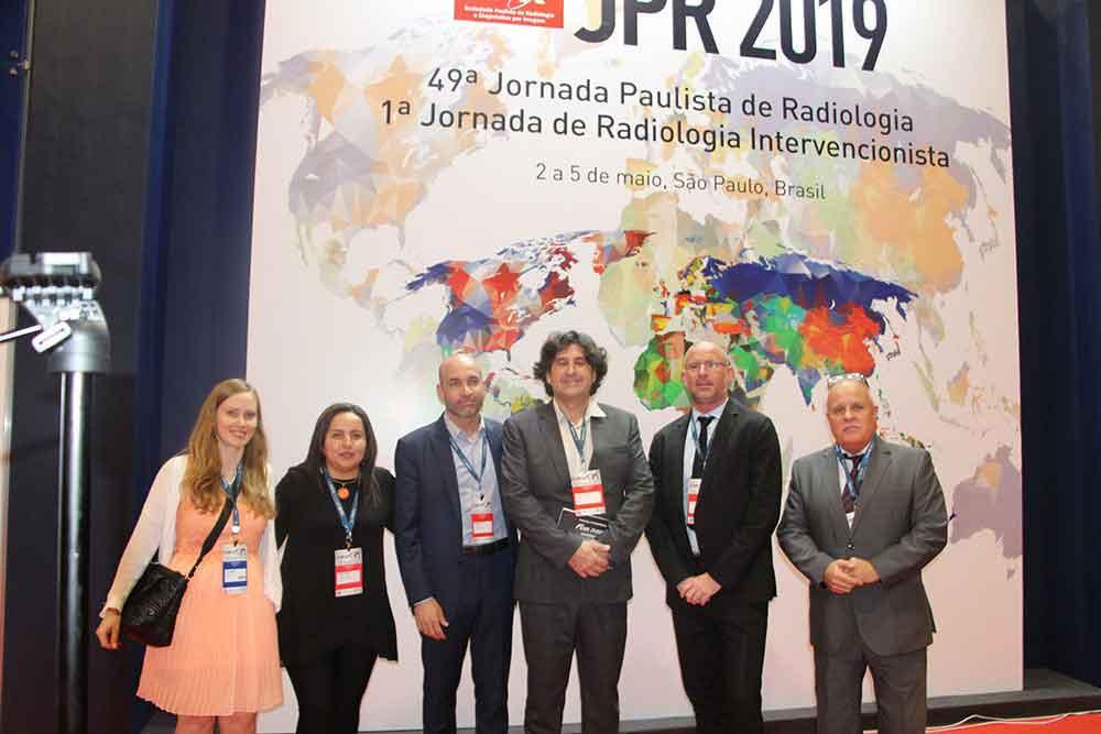 Lucy di Marco, miembro de la SFR Junior, Angeles Amaya, Roberto Godoy, Clement Cabanes, Nicolas Croisel y Eduardo Tedeschi de Guerbet